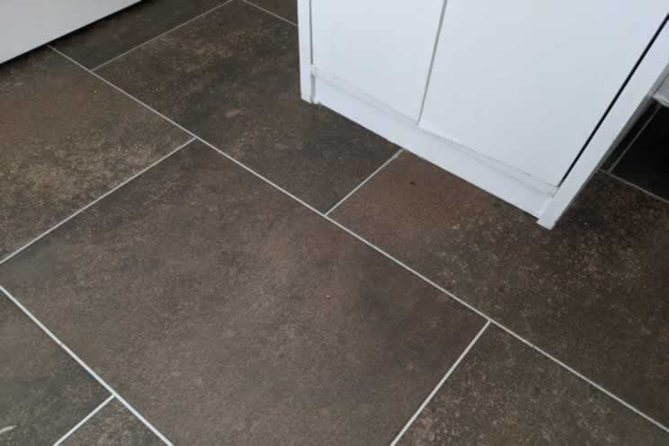 Does Karndean Flooring Scratch? MUST Know LVT Info