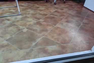 Karndean Flooring: Advantages and Disadvantages? Pros vs. Cons